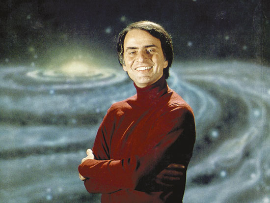 Carl Sagan durant un dels capítols del documental televisiu dels vuitanta Cosmos.