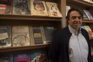 Imagen de Martí Domínguez en su despacho.