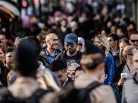 pandemia multitud personas ciudad
