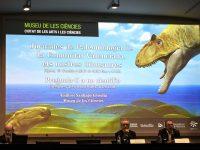 Presentación de las jornadas sobre la influencia de los dinosaurios en el siglo XXI